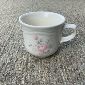 Vintage Pfaltzgraff tea rose cup mug